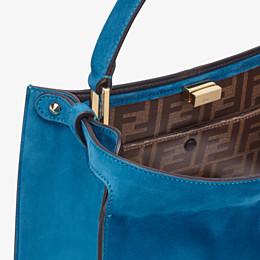 FENDI PEEKABOO X-LITE MEDIUM - Tasche aus Veloursleder in Blau - view 6 thumbnail