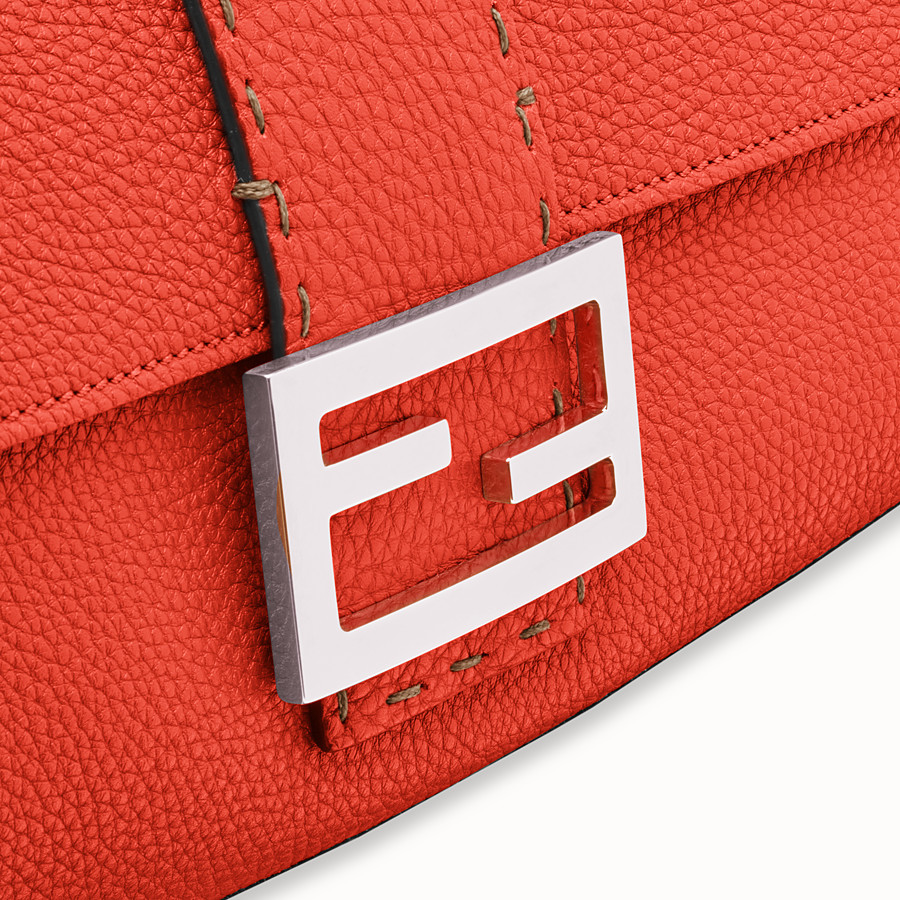 FENDI BAGUETTE LARGE - Fendi Roma Amor leather bag - view 6 detail