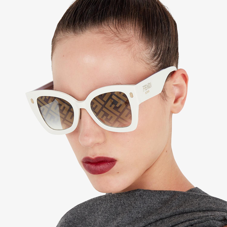 FENDI FENDI ROMA - White acetate sunglasses - view 4 detail