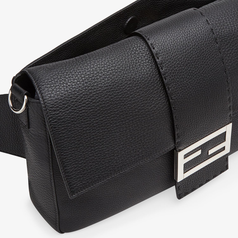FENDI BAGUETTE LARGE - Tasche aus Kalbsleder in Schwarz - view 6 detail