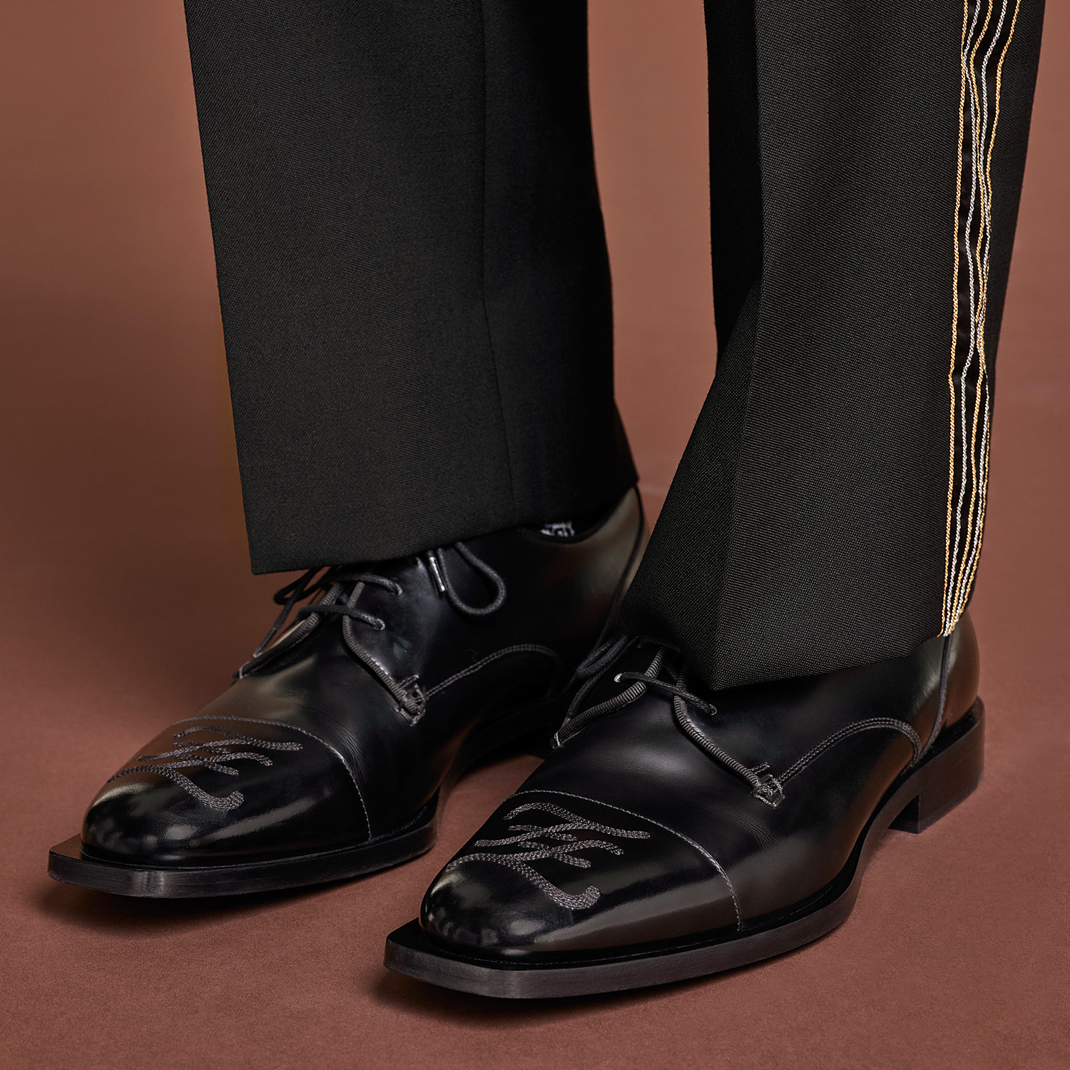 FENDI LACE-UPS - Black leather lace-up - view 5 detail