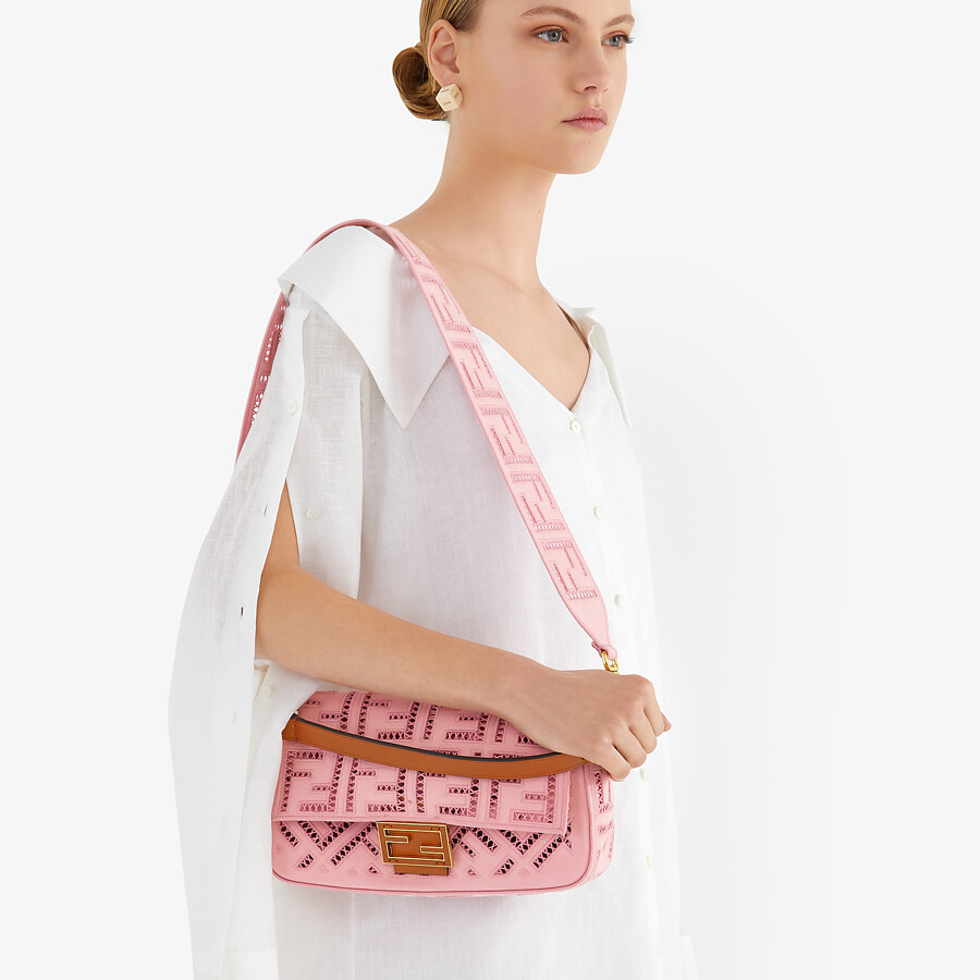 FENDI BAGUETTE - Pink canvas bag with embroidery - view 2 detail