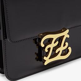 FENDI KARLIGRAPHY - Tasche aus schwarzem Lackleder - view 6 thumbnail