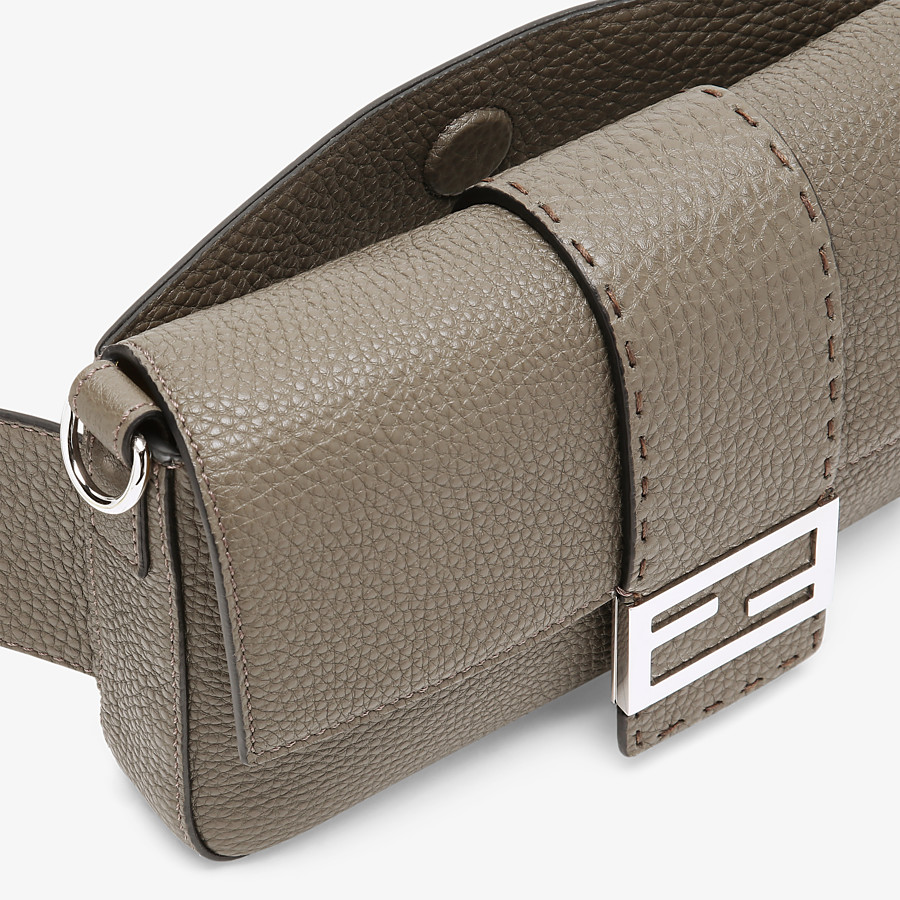 FENDI BAGUETTE - Green leather bag - view 6 detail