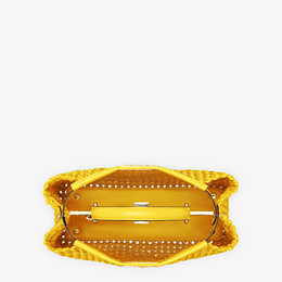 FENDI PEEKABOO ICONIC MEDIUM - Tasche aus Interlace Leder in Gelb - view 5 thumbnail
