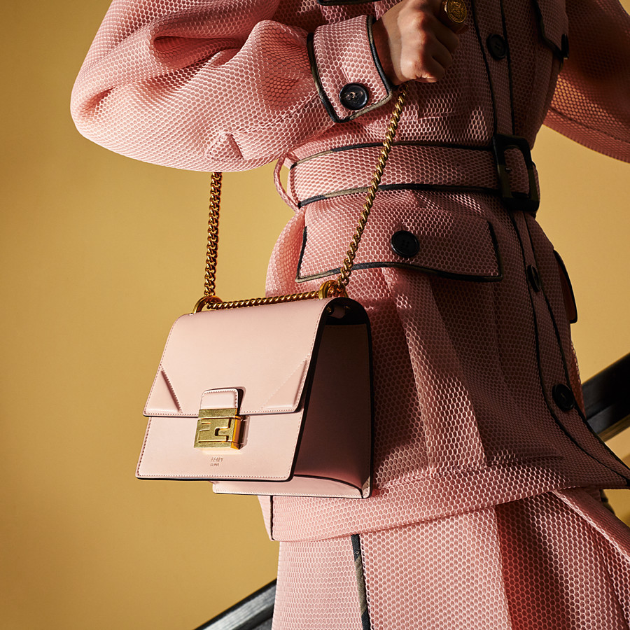 FENDI KAN U SMALL - Mini-Tasche aus Leder in Rosa - view 2 detail