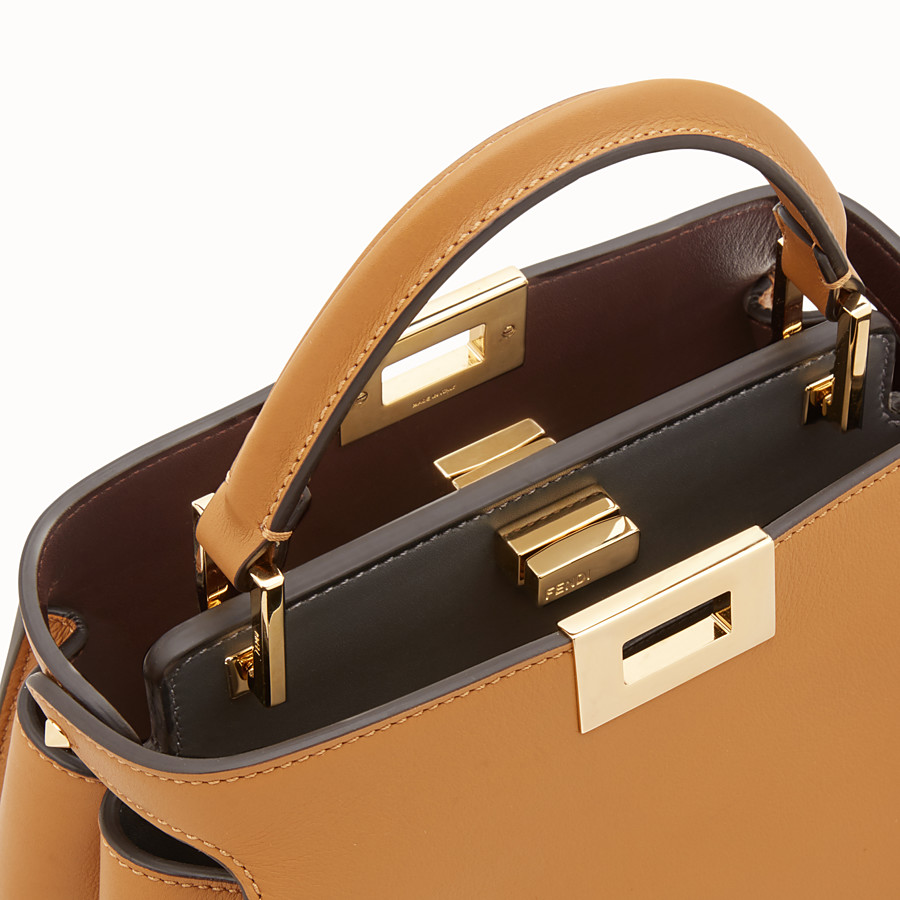 FENDI PEEKABOO ESSENTIAL - Tasche aus Leder in Braun - view 6 detail