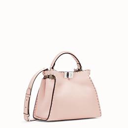 FENDI PEEKABOO ICONIC ESSENTIALLY - Tasche aus Leder in Rosa - view 2 thumbnail