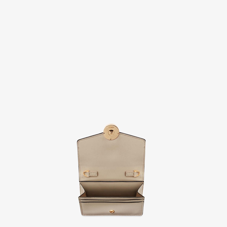 FENDI PORTEMONNAIE MIT TRAGEKETTE - Mini-Tasche aus Leder in Beige - view 4 detail