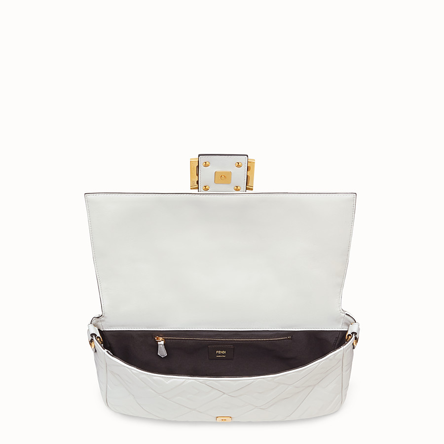 FENDI BAGUETTE LARGE - White leather bag - view 4 detail