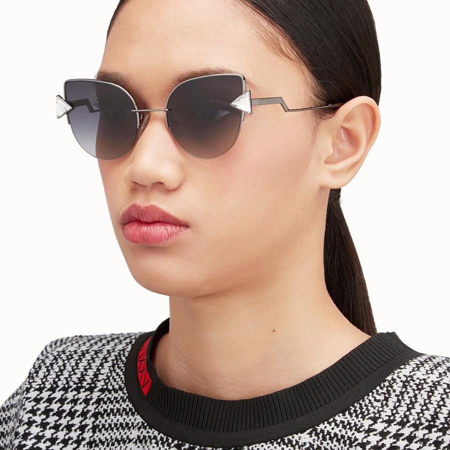 FENDI RAINBOW - 黑色太陽眼鏡。 - view 4 detail