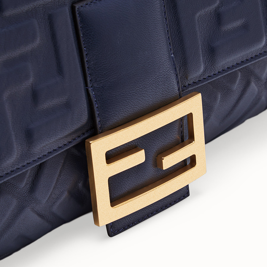 FENDI BAGUETTE LARGE - Blue nappa leather bag - view 6 detail