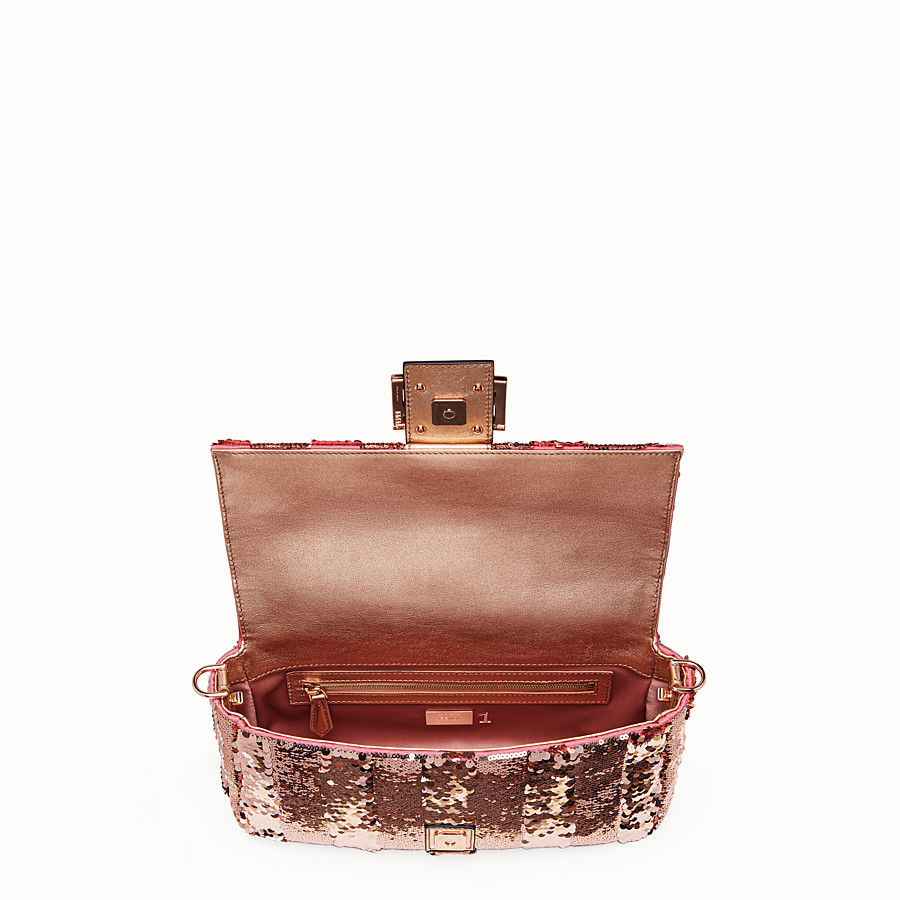 FENDI BAGUETTE - Pink leather bag - view 4 detail