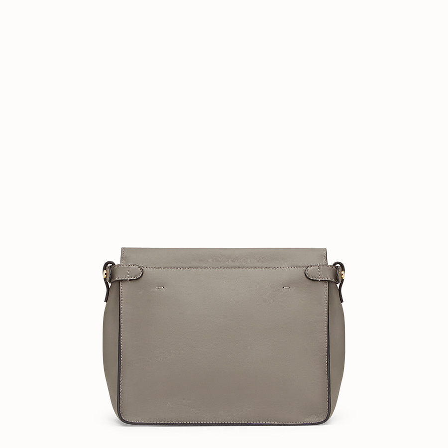 FENDI FENDI FLIP REGULAR - Tasche aus Leder in Grau - view 4 detail