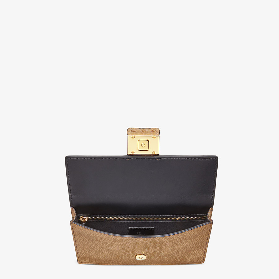 FENDI BAGUETTE POUCH - Beige leather bag - view 4 detail