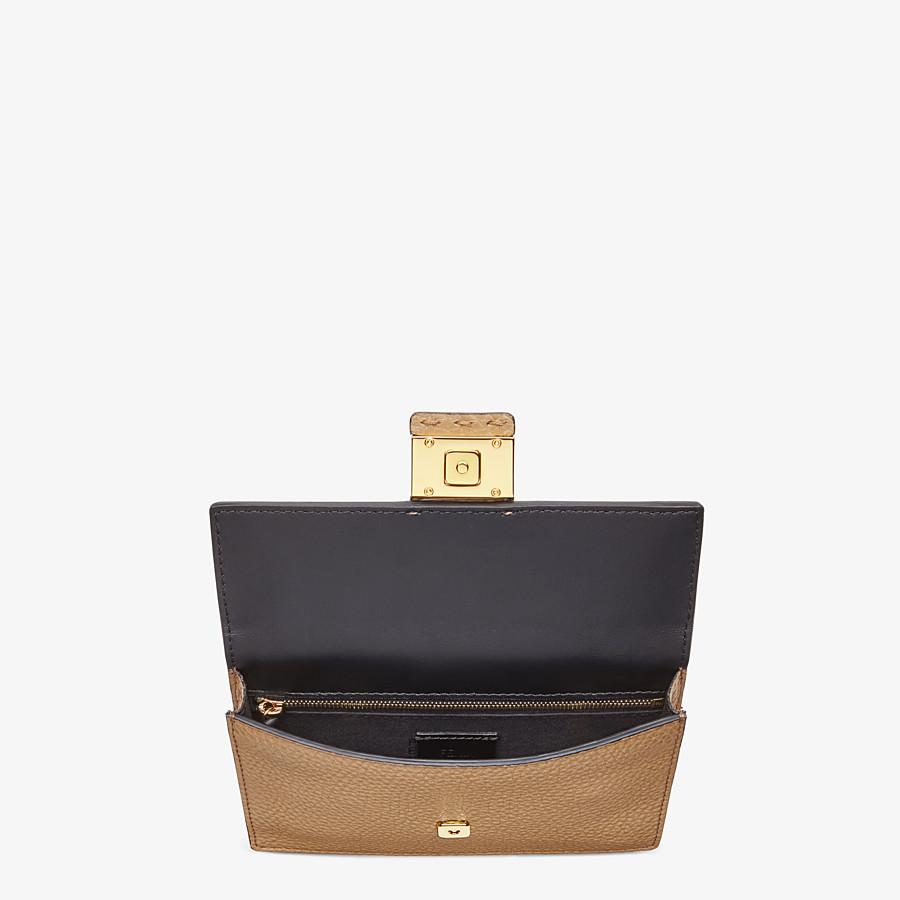 FENDI BAGUETTE POUCH - Beige leather bag - view 4 detail
