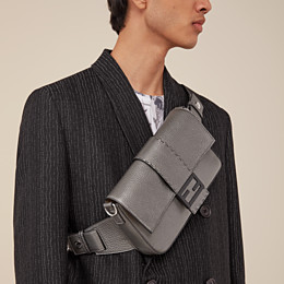 FENDI BAGUETTE - Tasche aus Leder in Grau - view 7 thumbnail