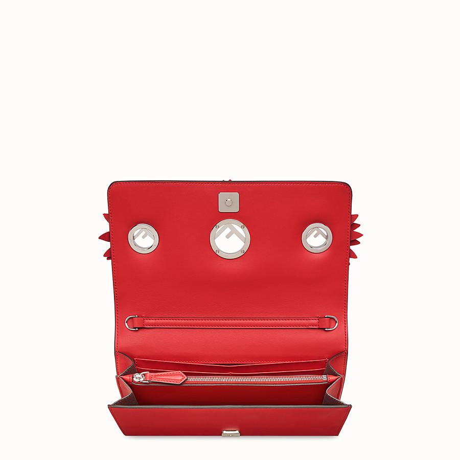 FENDI 標誌裝飾鏈帶皮夾 - 紅色奇珍皮革迷你手袋 - view 4 detail