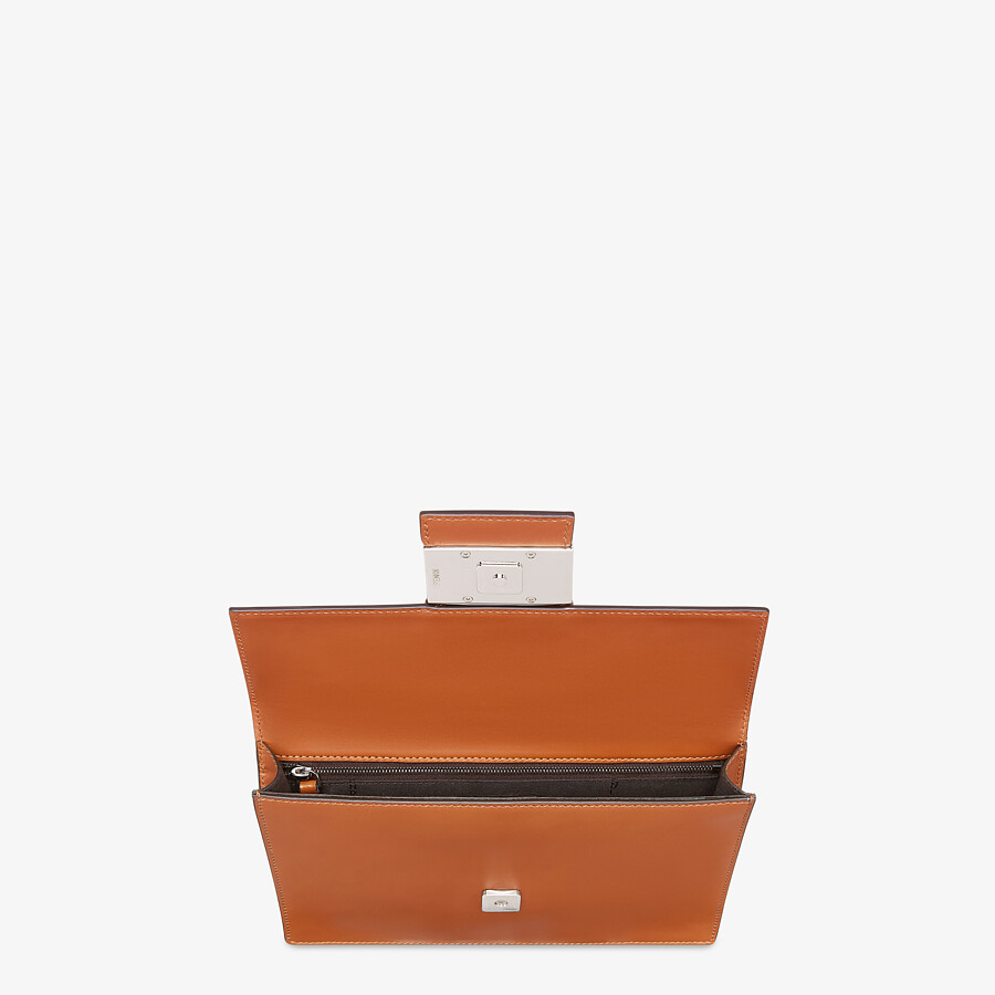 FENDI FLAT BAGUETTE - Brown leather bag - view 4 detail