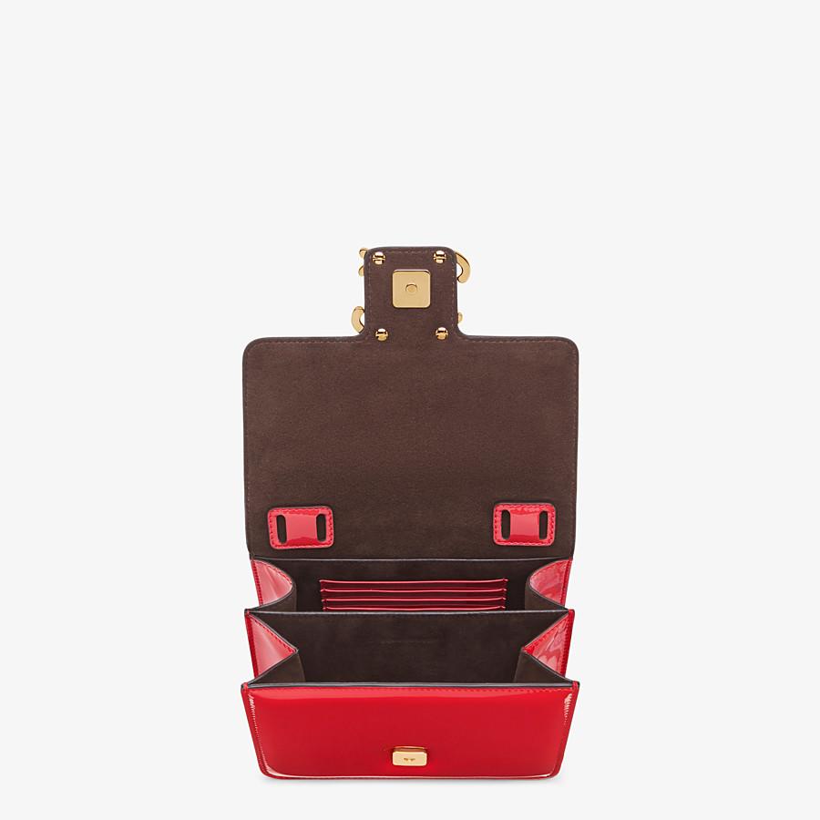 FENDI KARLIGRAPHY - Tasche aus Lackleder in Rot - view 5 detail