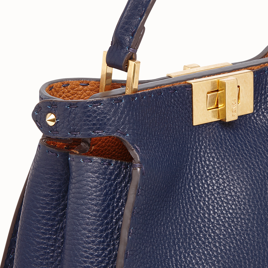FENDI PEEKABOO ICONIC ESSENTIALLY - Borsa in pelle blu - vista 6 dettaglio