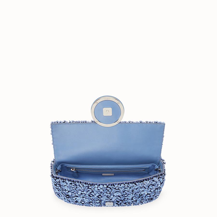 FENDI BAGUETTE - Light blue leather bag - view 4 detail