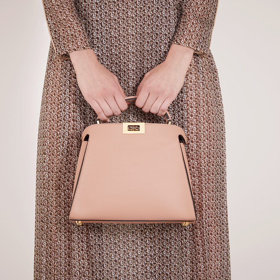 FENDI PEEKABOO ICONIC ESSENTIALLY - Tasche aus Leder in Rosa - view 2 detail