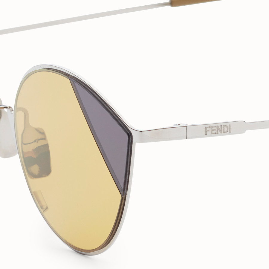 FENDI CUT-EYE - A/W18 Fashion Show silver-coloured sunglasses - view 3 detail