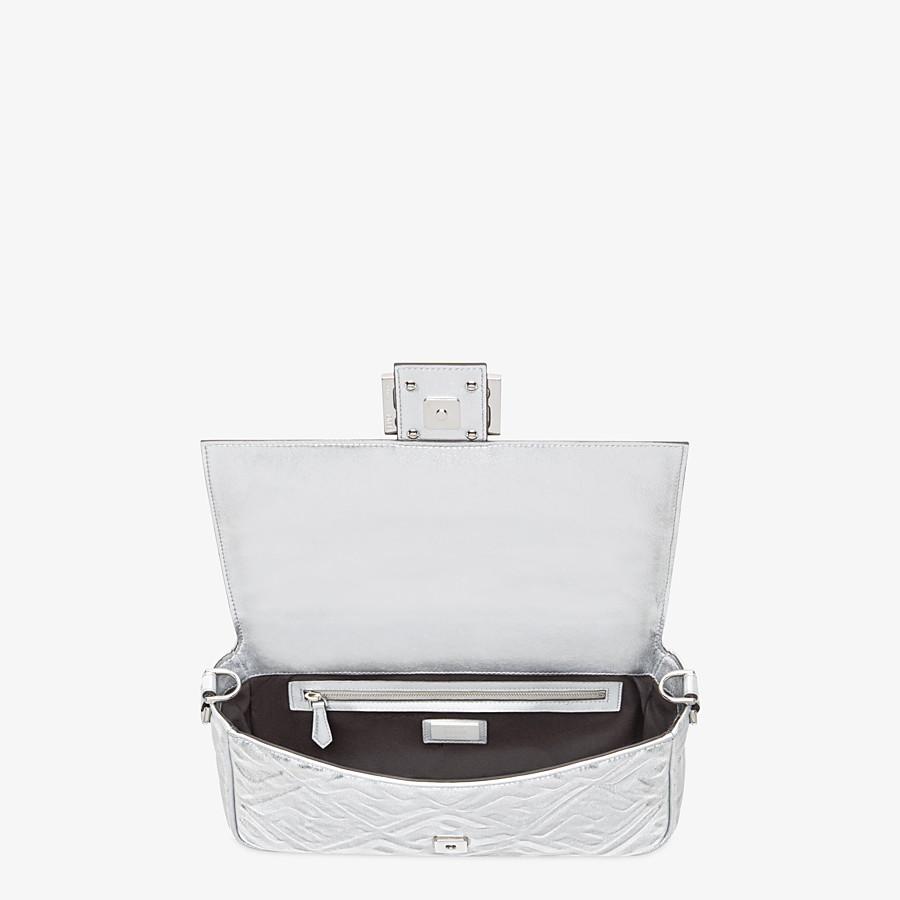 FENDI BAGUETTE - Fendi Prints On leather bag - view 5 detail