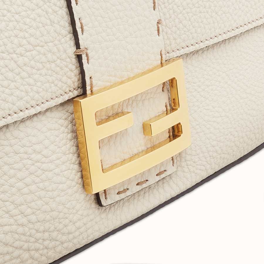 FENDI BAGUETTE LARGE - Fendi Roma Amor leather bag - view 5 detail