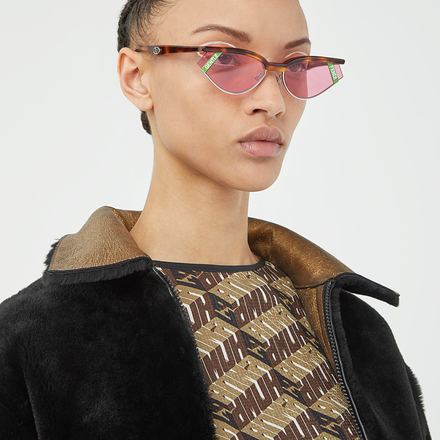 FENDI GENTLE Fendi No. 1 - Havana and pink sunglasses - view 5 detail