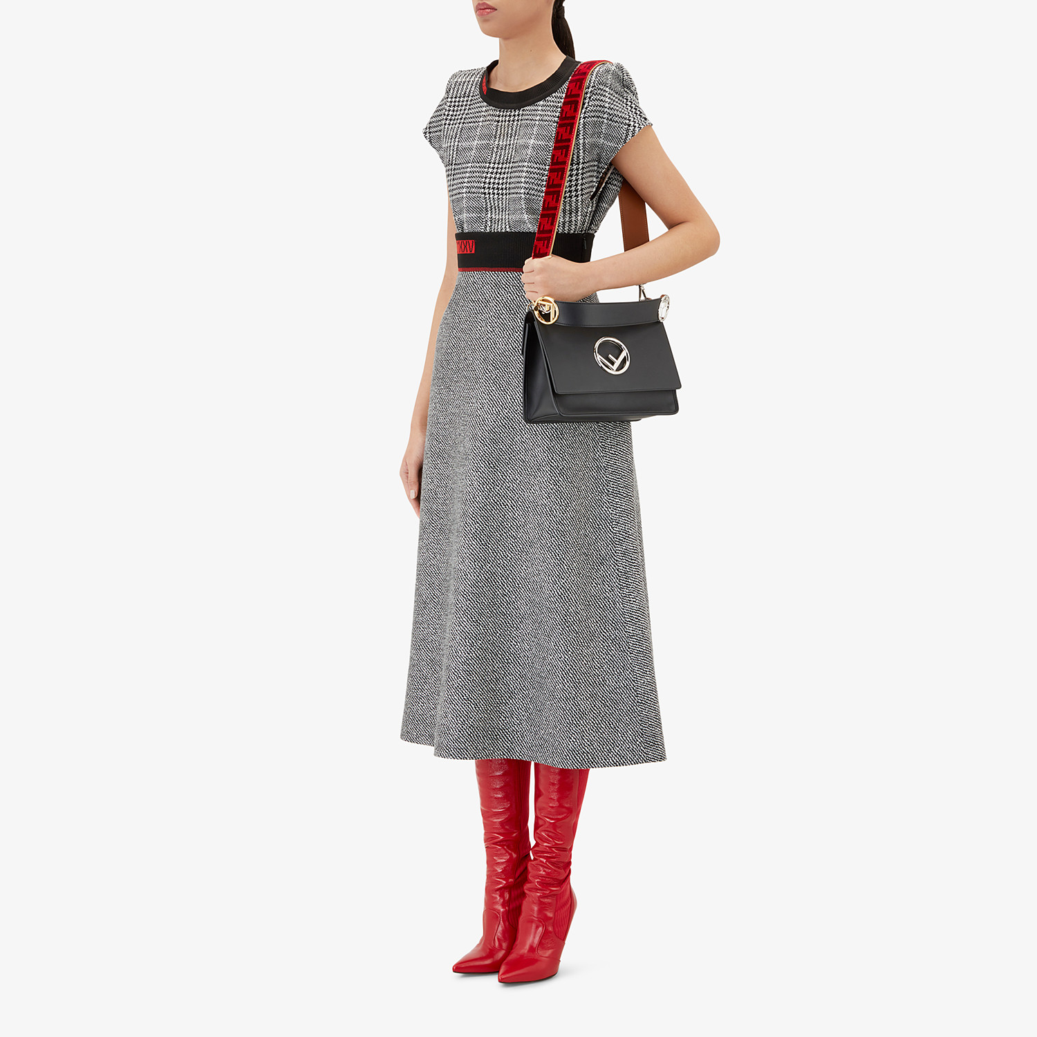 FENDI STRAP YOU - Textured-effect leather shoulder strap - view 3 detail