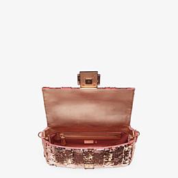 FENDI BAGUETTE - Pink leather bag - view 4 thumbnail