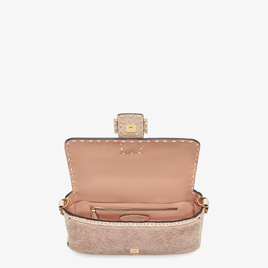 FENDI BAGUETTE - Pink sheepskin bag - view 5 detail