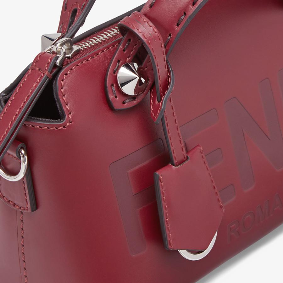 FENDI BY THE WAY MINI - Boston Bag aus Leder in Bordeaux - view 6 detail
