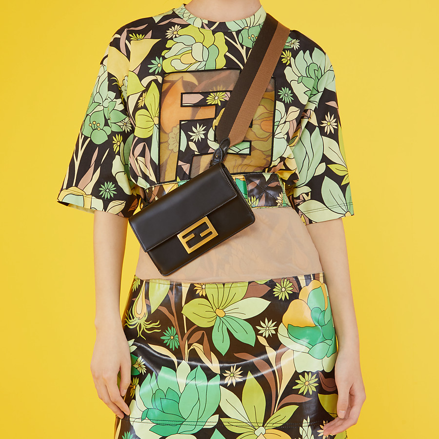 FENDI FLAT BAGUETTE - Black leather mini bag - view 2 detail
