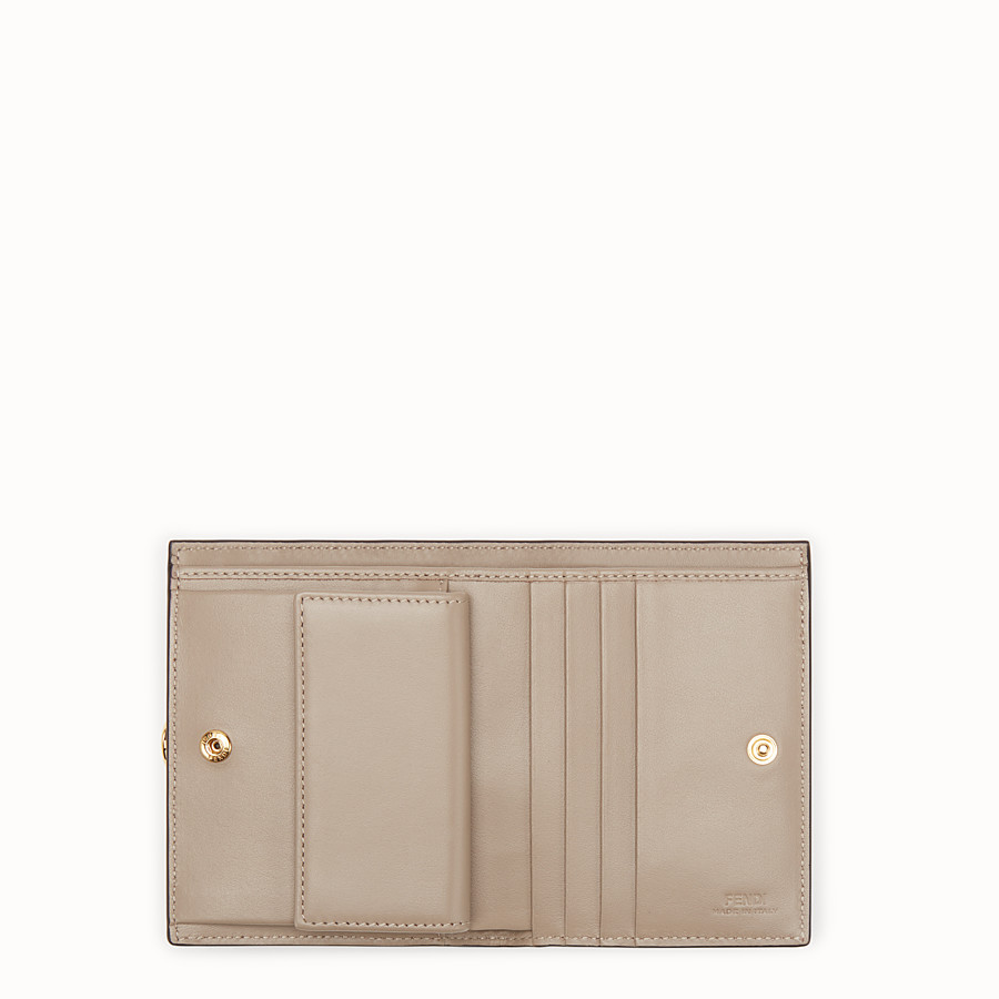 FENDI BIFOLD - Pink leather compact wallet - view 4 detail