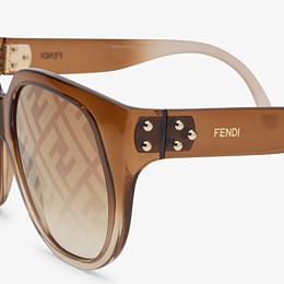 FENDI FENDI DAWN - Sonnenbrille aus Kunststoff-Spritzguss mit Farbverlauf und FF-Logo - view 3 thumbnail