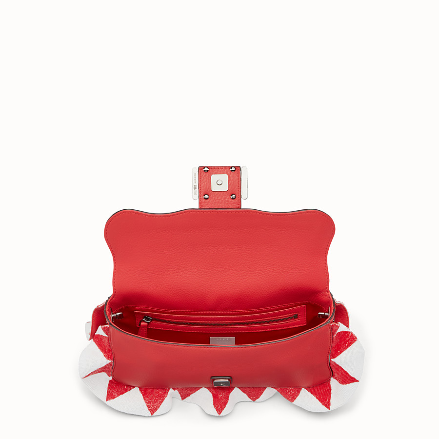 FENDI BAGUETTE - Red leather shoulder bag - view 4 detail