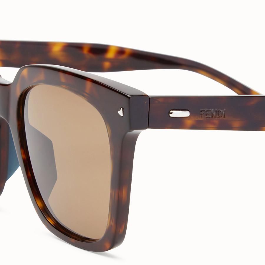 FENDI FENDI SUN FUN - 琥珀色亞洲版型太陽眼鏡 - view 3 detail