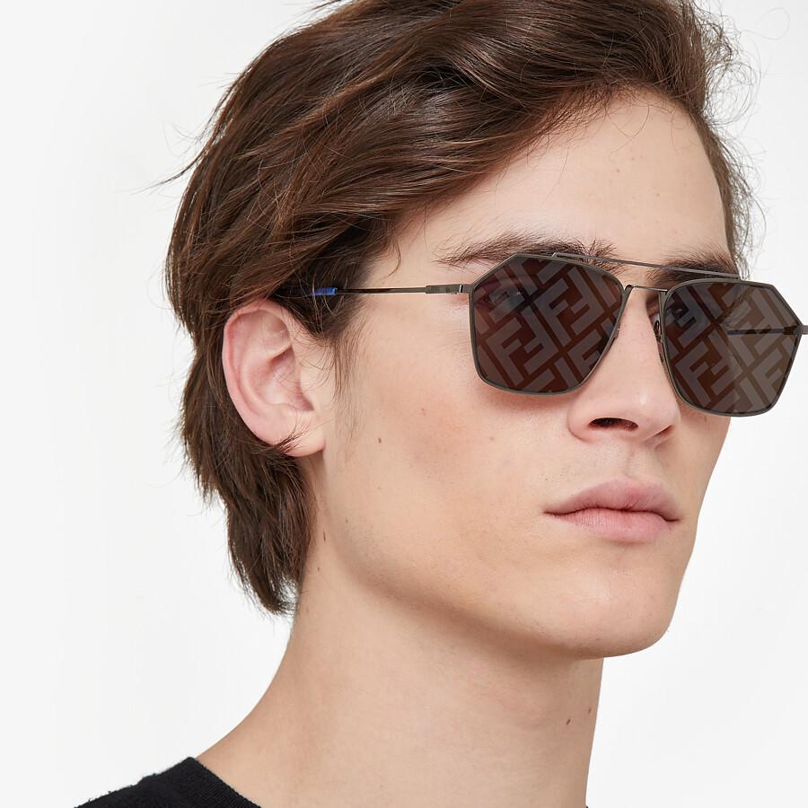 FENDI EYELINE - Gray sunglasses - view 4 detail