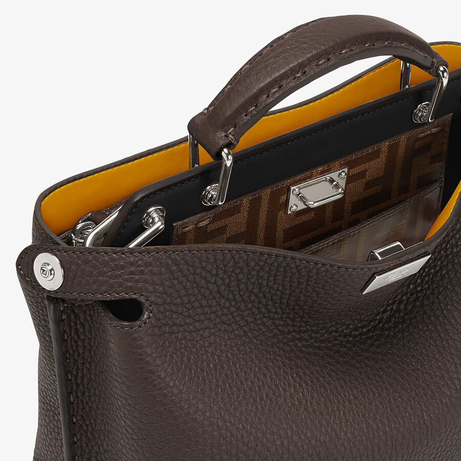 FENDI PEEKABOO ICONIC ESSENTIALLY - Tasche aus Leder in Braun - view 5 detail