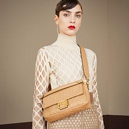 FENDI BAGUETTE LARGE - Beige leather bag - view 2 thumbnail