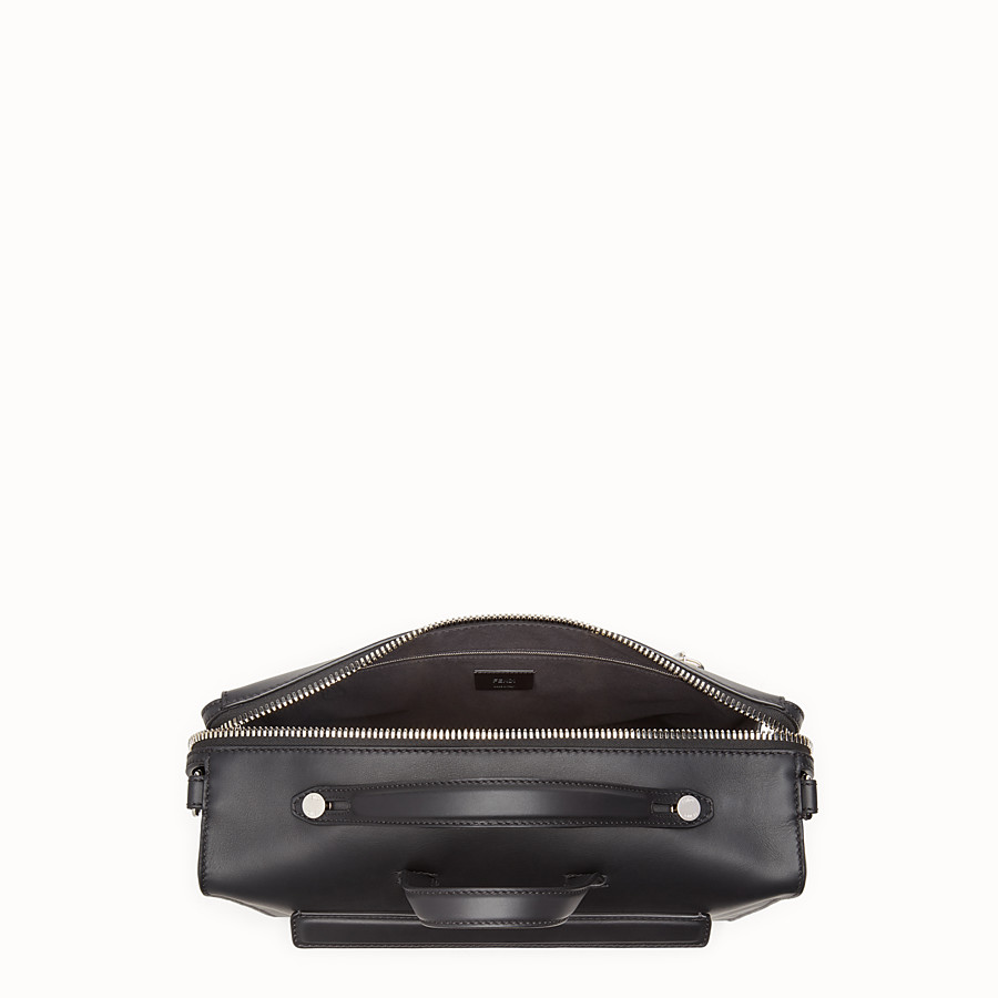 FENDI MESSENGER - Black leather shoulder bag - view 4 detail