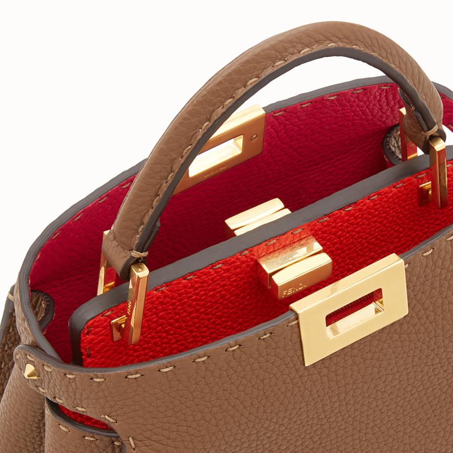 FENDI PEEKABOO ICONIC ESSENTIALLY - Tasche aus Leder in Braun - view 5 detail