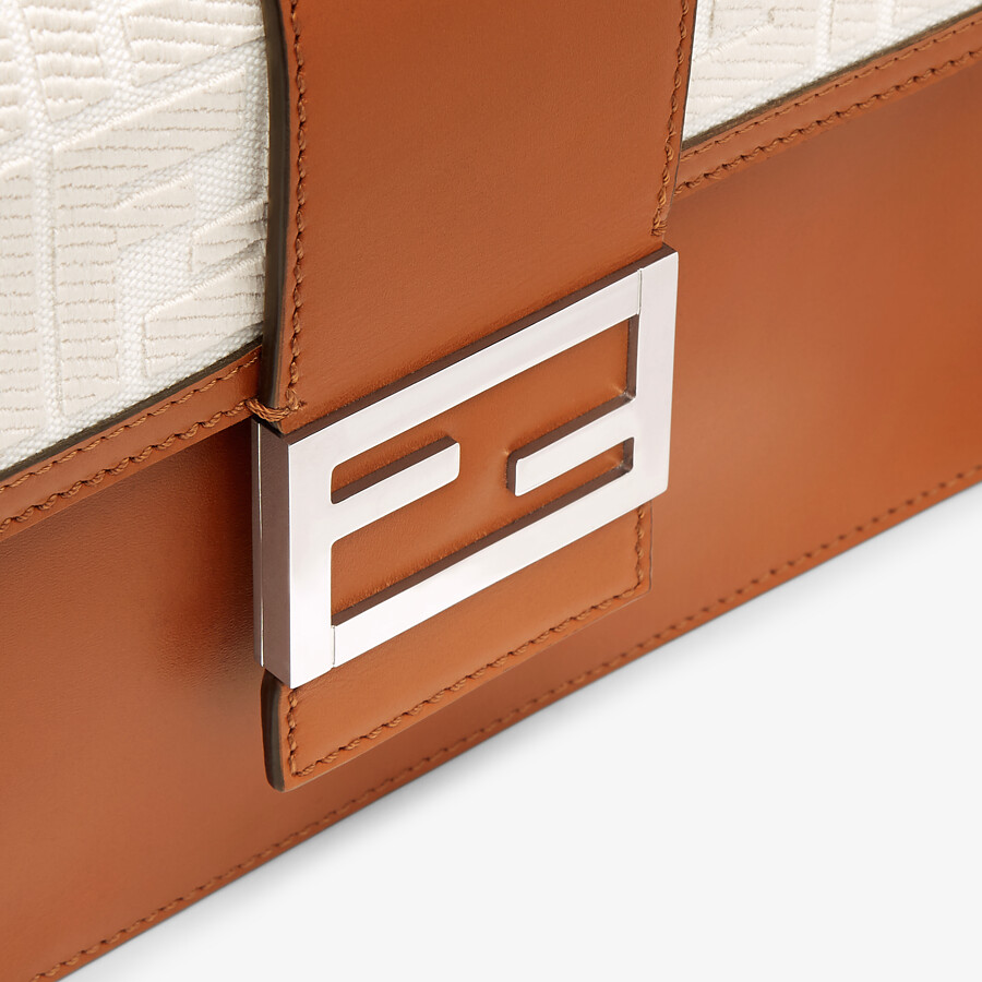 FENDI FLAT BAGUETTE - Brown leather bag - view 5 detail