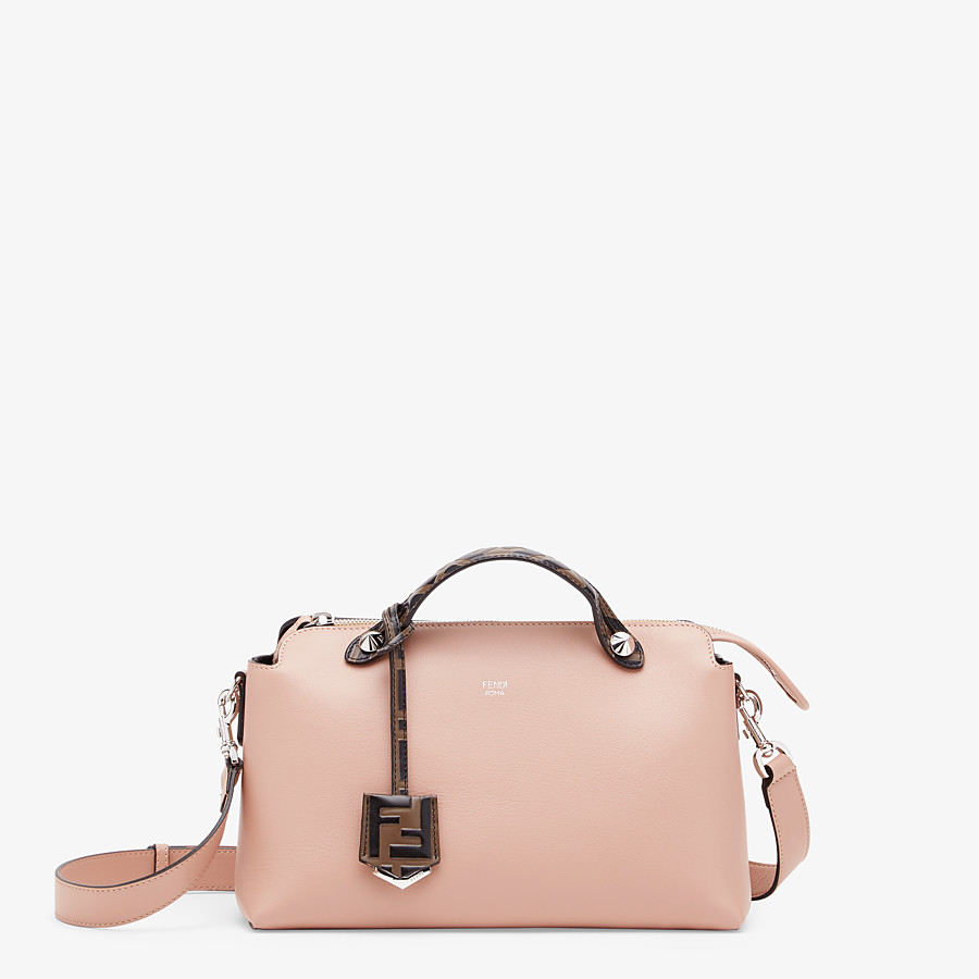 FENDI BY THE WAY MEDIUM - Boston Bag aus Leder in Rosa - view 1 detail