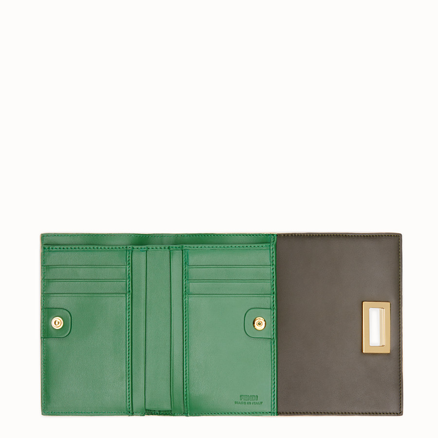 FENDI CONTINENTAL MEDIUM - Medium continental wallet in green leather - view 5 detail