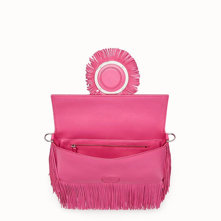 FENDI BAGUETTE - Pink leather bag - view 4 detail