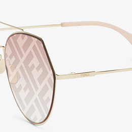 FENDI EYELINE - Gold-colored sunglasses - view 3 thumbnail